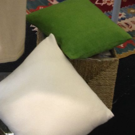 Cushions - Cushion Covers 100% Cashmere. All our garments have been designed in Barcelona, Spain. - DI LUCCA 100% CASHMERE