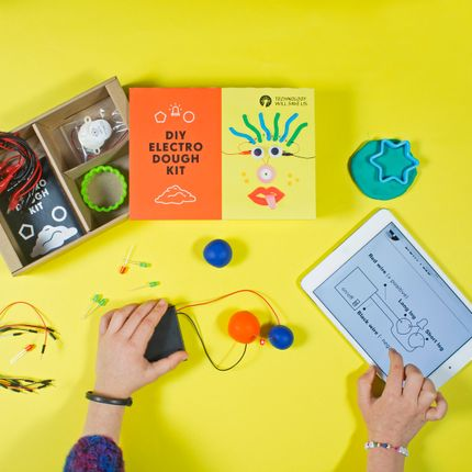Games - ELECTRO DOUGH KIT - TECHNOLOGY WILL SAVE US