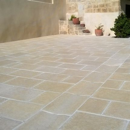 Tiles / flagstones - Outdoor old stone look pavement - ROUVIERE COLLECTION