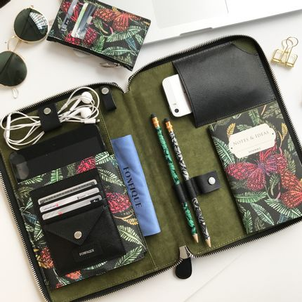 Travel accessories / suitcase - Risha Organizer in Botanical - FONFIQUE