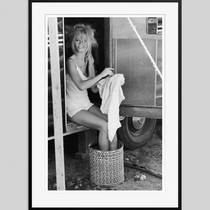 Art photos - Bardot Cleans Up - GALERIE PRINTS
