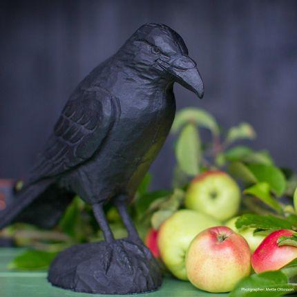 Decorative objects - Cast iron sculpture Raven - WILDLIFE GARDEN