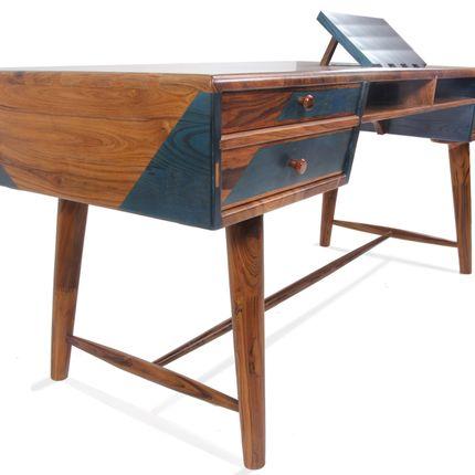 Writing desks - Aizvara: An Executive desk - Alankaram