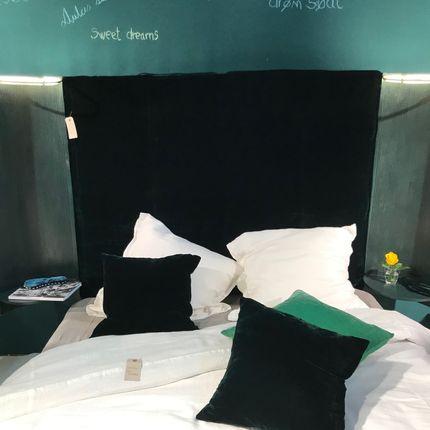 Plaids - Blanket in silke velour and pillows - FABRIC COPENHAGEN