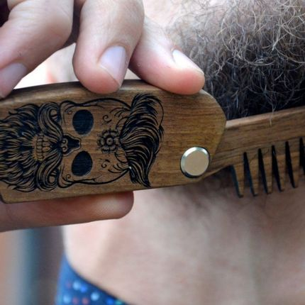 Beauty products - Wooden Bear Comb, walnut and wenge - ENJOYTHEWOOD
