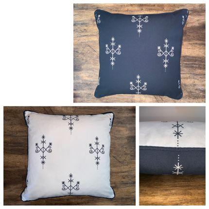 Cushions - FYV-Divinitescreoles-18x18 - YAËL & VALÉRIE