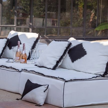 Lawn sofas   - Bespoke Tribal outdoor sofa - BERENGERE LEROY