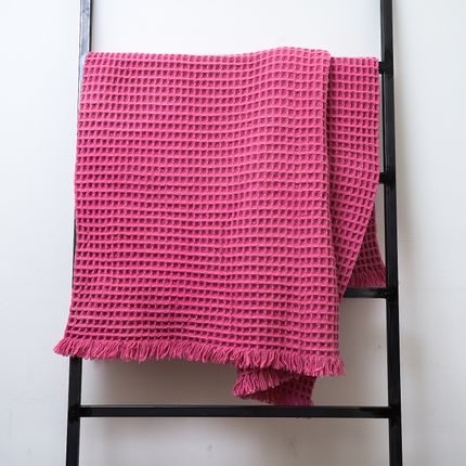 Throw blankets - THE WAFFLE | Merino | pink - PERELIC WOOLEN GOODS