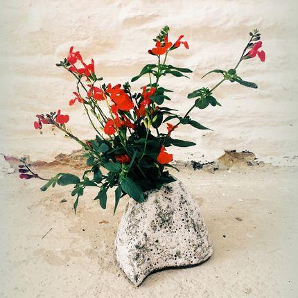 Ceramic - Mountain Vase - CAMILLE TREHOUT CERAMIQUE