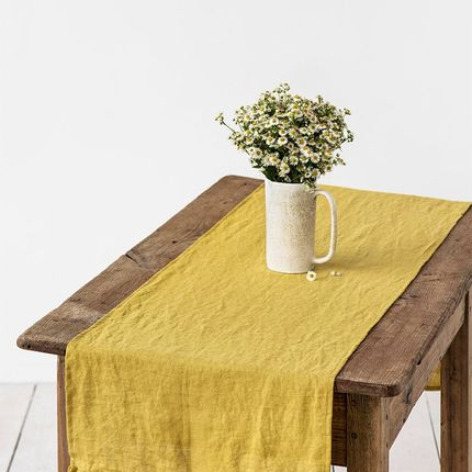 Nappes - Ruffled linen table runner in Moss Yellow - MAGIC LINEN