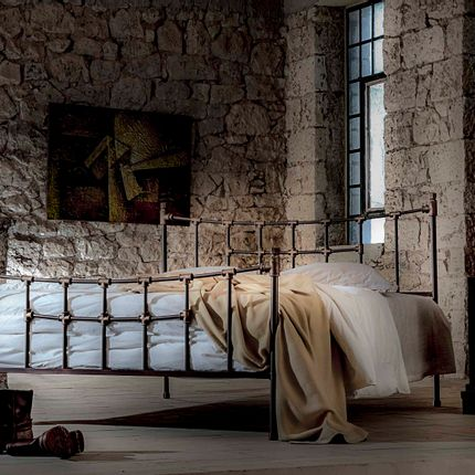 Lits - Industrial style Handmade iron bed - Model Iro - VOLCANO - HANDMADE IRON BEDS