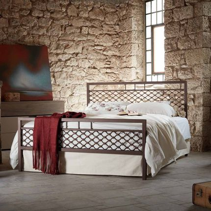 Lits - Industrial Handmade iron bed - Model Ekavi - VOLCANO - HANDMADE IRON BEDS