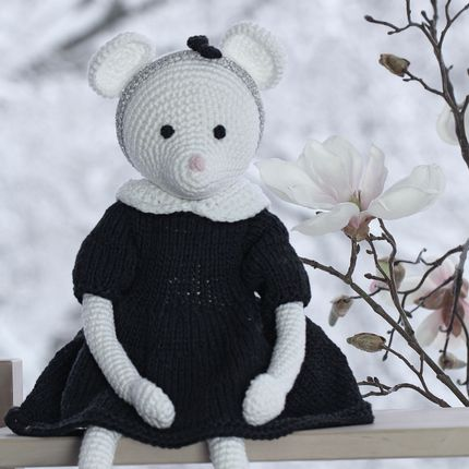 Peluches - Alice - souris au crochet - LEGGYBUDDY