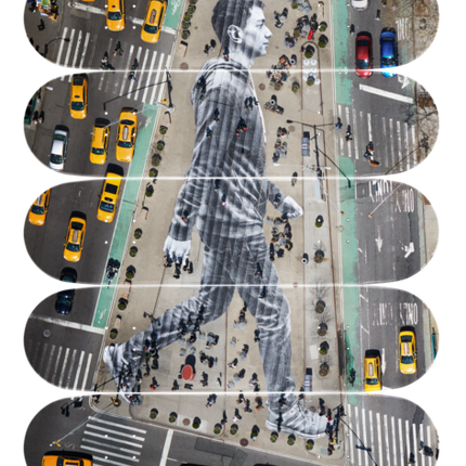 Décoration murale - JR - MIGRANTS, WALKING NEW YORK CITY, NEW YORK, USA, 2015 - THE SKATEROOM