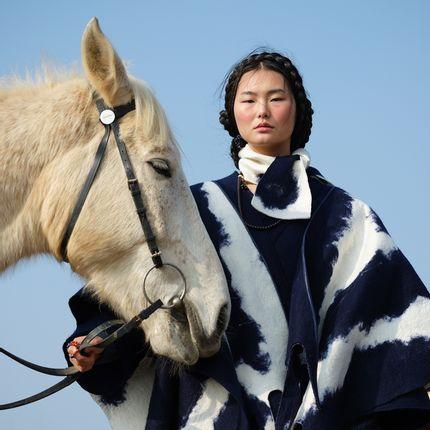 Foulards / écharpes - Mongolia CLOUD Écharpe en cachemire artisanale - Bleu sur blanc - SANDRIVER CASHMERE
