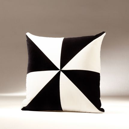 Cushions - SAFIRA velvet cushion - MY FRIEND PACO
