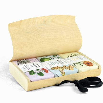 Soaps - WOOD BOX SOAP SET - with 3 bar soaps of your choice - SAVON STORIES