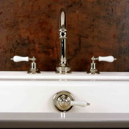 Faucets - Deck-mounted swan-neck tub spout - VOLEVATCH