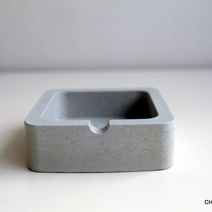 Objets de décoration - Cendrier en béton gris - CHAPITRE MAISON
