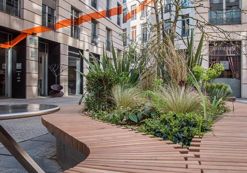 ALEXIS TRICOIRE - Jiboia, an hybrid and connected bench for the Edouard VII business center