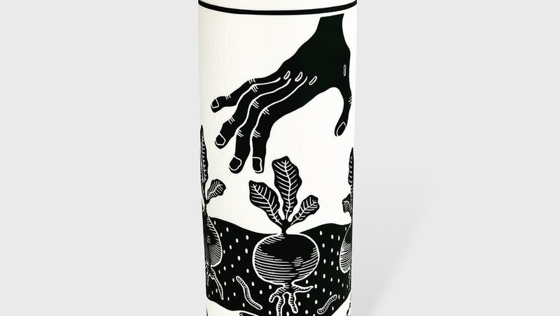 EMPREINTES - Soline Peninon vase radis noir at EMPREINTES