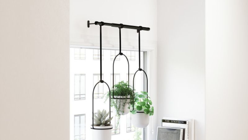 UMBRA - TRIFLORA HANGING PLANTER WHITE