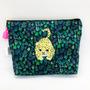 Pochettes - Pochette brodée tissu imprimé Liberty Bébé léopard / chat des sables - KEORA KEORA GOODS JP