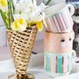 Coffee and tea - Mugs in rack - MISS ETOILE