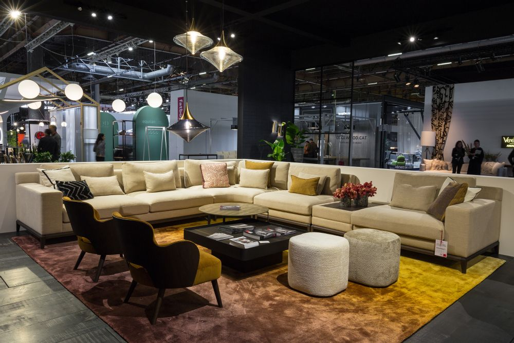 MARIE'S CORNER - Tennessee Sectional Sofa